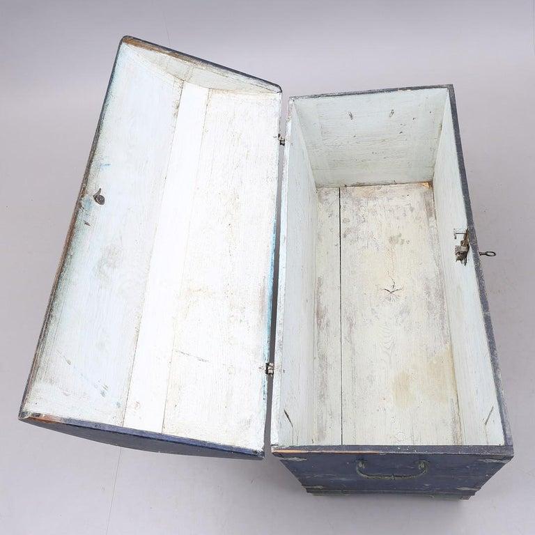 1853 Swedish Chest Blanket Box Original Polychromatic Jamtland Paint Finish Blue In Good Condition In LONDON, GB