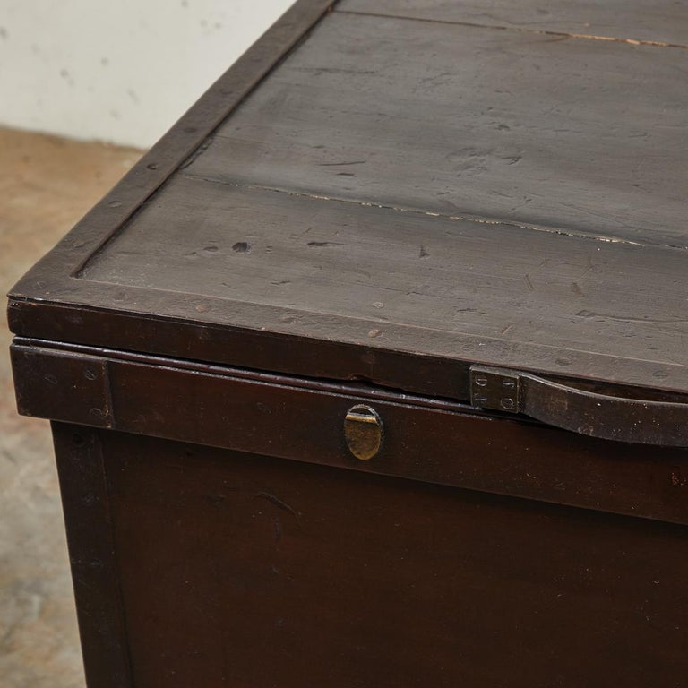 19th Century 1860s English Large Painted Camphorwood Silver Chest with Leather Handles For Sale