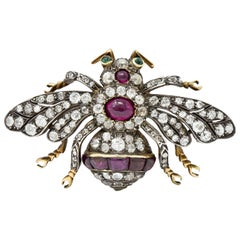 1860's Victorian Spinel Cabochon 6.00 Carats Diamond 18 Karat Gold Insect Brooch