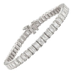 18.62 Carat Emerald Cut Diamond Tennis Bracelet 18 Karat White Gold