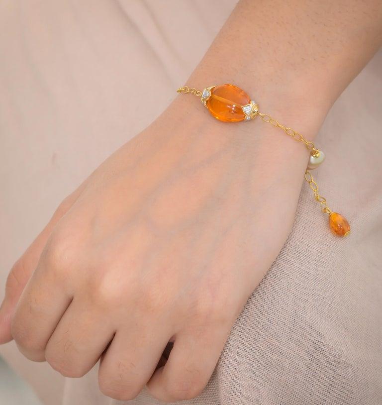 18.63 Carat Mandarin Garnet South Sea Pearl 18 Karat Yellow Gold Bracelet In New Condition For Sale In Jaipur, Jaipur