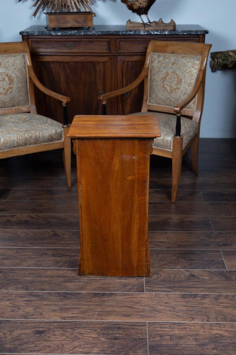 1870s Austrian Biedermeier Style Walnut Bedside Cabinet with Drawer and Door For Sale 8
