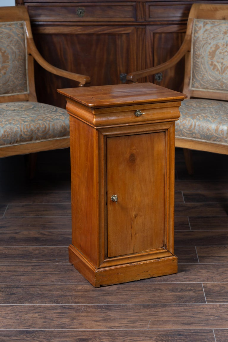 19th Century 1870s Austrian Biedermeier Style Walnut Bedside Cabinet with Drawer and Door For Sale