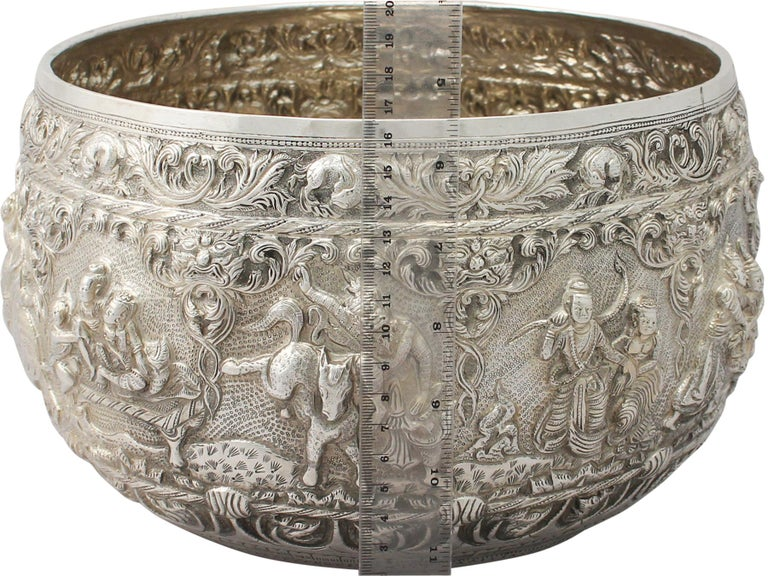 1880s Antique Burmese Silver Thabeik Bowl For Sale 7