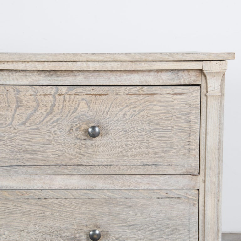 1880s French Oak Chest of Drawers In Good Condition For Sale In High Point, NC