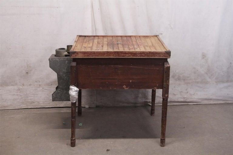 1880s Industrial Hibbard, Spencer, Bartlett & Co. Chicken Egg Incubator Table For Sale 4