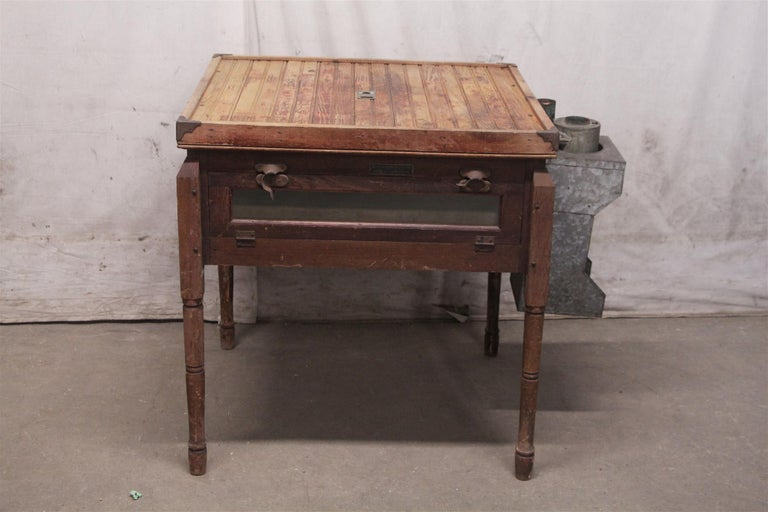 Late 19th Century 1880s Industrial Hibbard, Spencer, Bartlett & Co. Chicken Egg Incubator Table For Sale