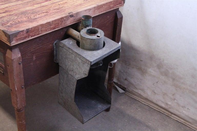 1880s Industrial Hibbard, Spencer, Bartlett & Co. Chicken Egg Incubator Table For Sale 2