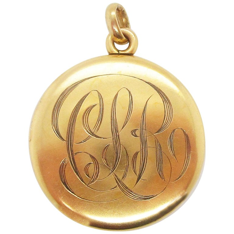 1890 Victorian 14 Karat Yellow Gold Monogrammed Locket In Excellent Condition For Sale In Lexington, KY