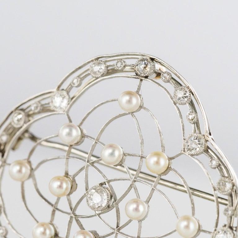 1890s Belle Époque Natural Pearl Diamonds 18 Karat Gold Platinum Brooch For Sale 5