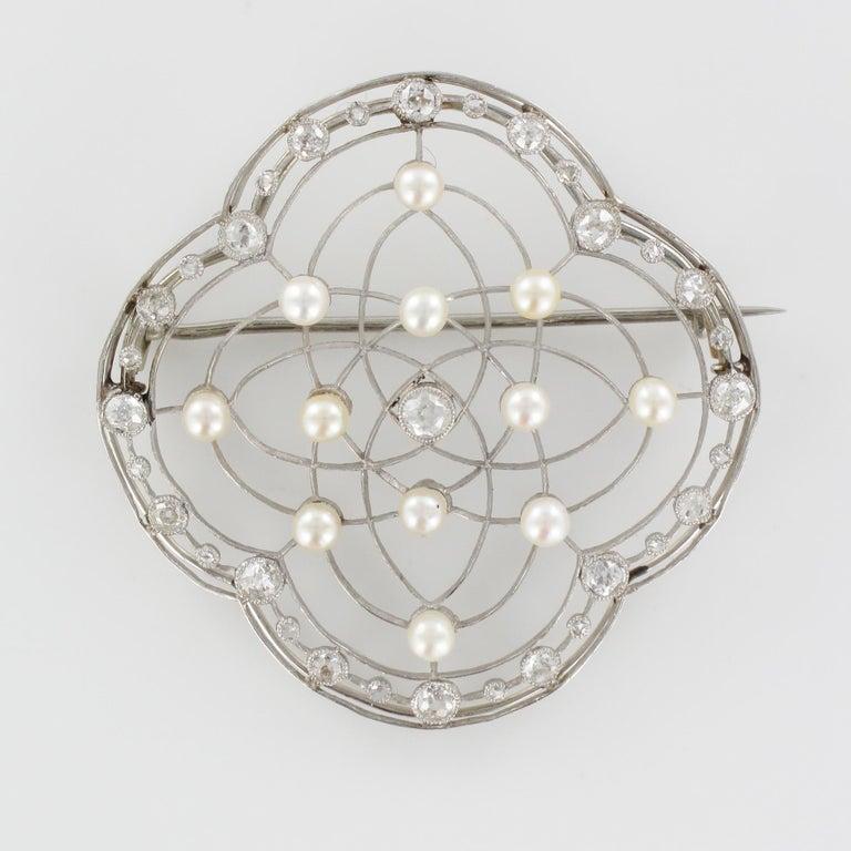 1890s Belle Époque Natural Pearl Diamonds 18 Karat Gold Platinum Brooch For Sale 10