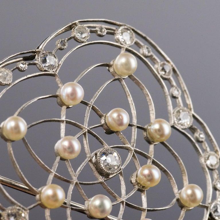 Women's 1890s Belle Époque Natural Pearl Diamonds 18 Karat Gold Platinum Brooch For Sale