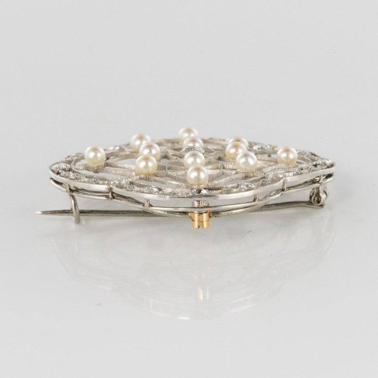 1890s Belle Époque Natural Pearl Diamonds 18 Karat Gold Platinum Brooch For Sale 3