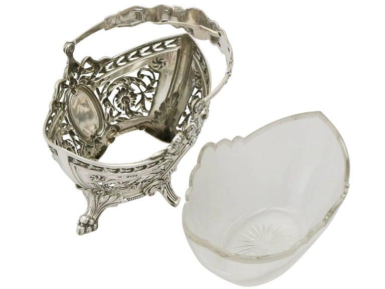 English 1890s Victorian Sterling Silver Bon Bon Basket For Sale