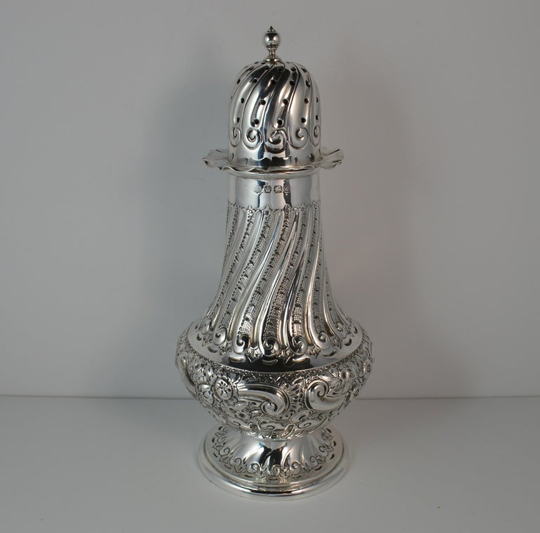 1897 Victorian Heavy Well Made Silver Sugar Castor Caster In Excellent Condition For Sale In St Helens, GB