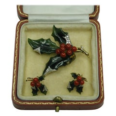 18ct Gold Coral and Nephrite with Diamonds Brooch and Earrings Depicting Holly