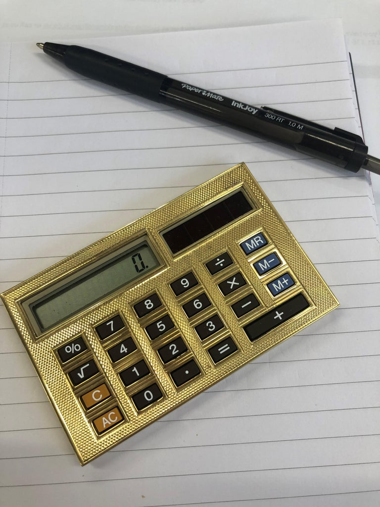 Women's or Men's Deakin & Francis 18 Karat Gold Limited Edition Luxury Calculator For Sale