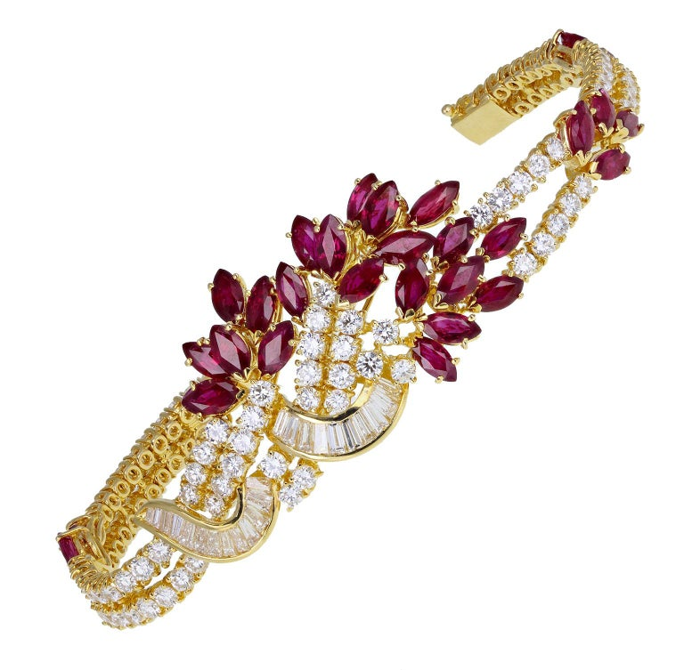 Marquise Cut 18 Carat Gold Ruby Diamond Necklace Suite For Sale