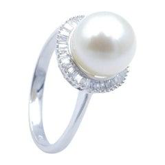 18ct Hallmarked White Gold Pearl & Diamond Ring