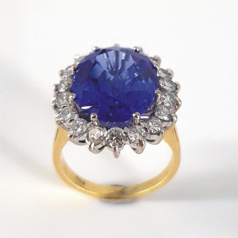 Modern 18ct White & Yellow Gold Oval Cut Tanzanite & Diamond Ring For Sale
