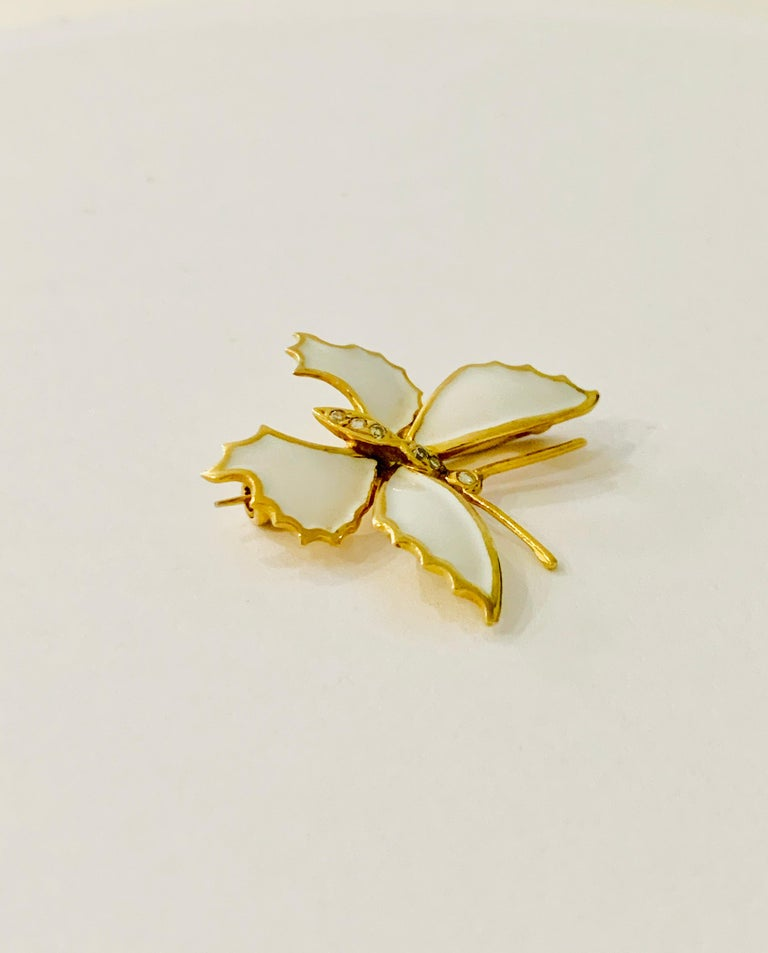 Round Cut 18 Carat Yellow Gold and White Enamel Butterfly Diamond Set Brooch For Sale