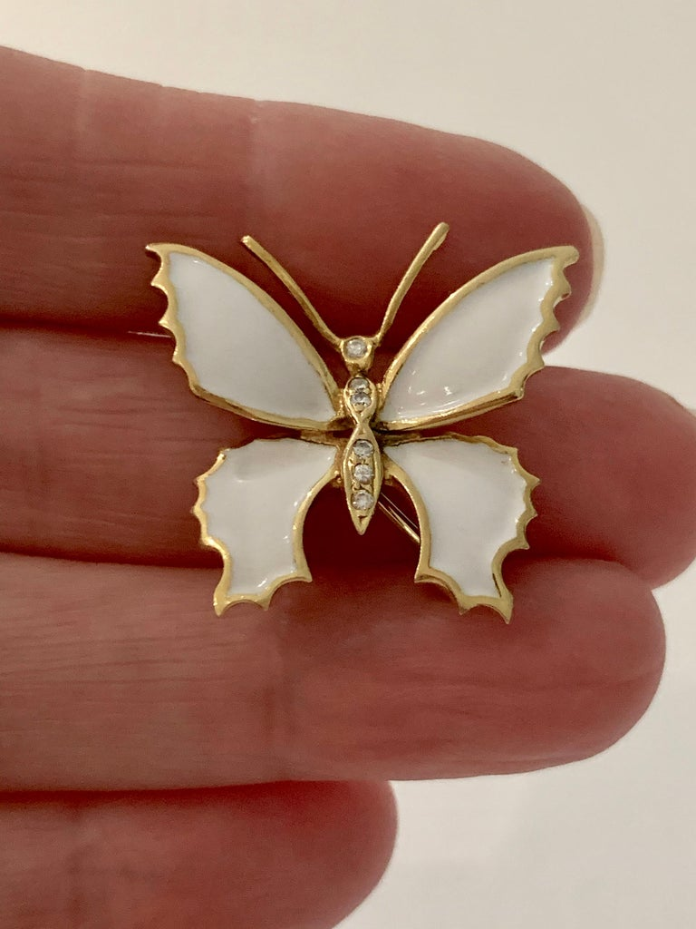 18 Carat Yellow Gold and White Enamel Butterfly Diamond Set Brooch For Sale 1