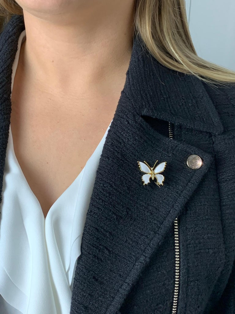18 Carat Yellow Gold and White Enamel Butterfly Diamond Set Brooch For Sale 2
