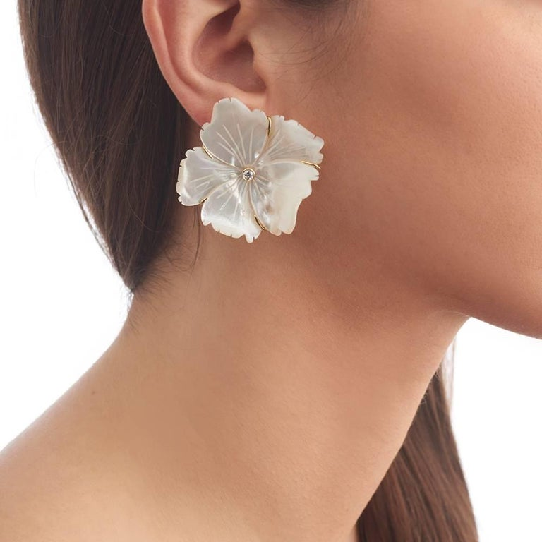 Contemporary 18 Carat Yellow Gold, Diamond and Hand Carved Mother of Pearl Flower Earrings For Sale