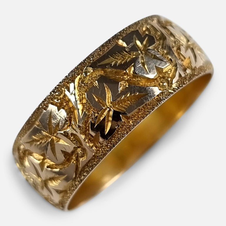 18ct Yellow Gold Foliate Engraved Keeper Ring, 1920 For Sale 6