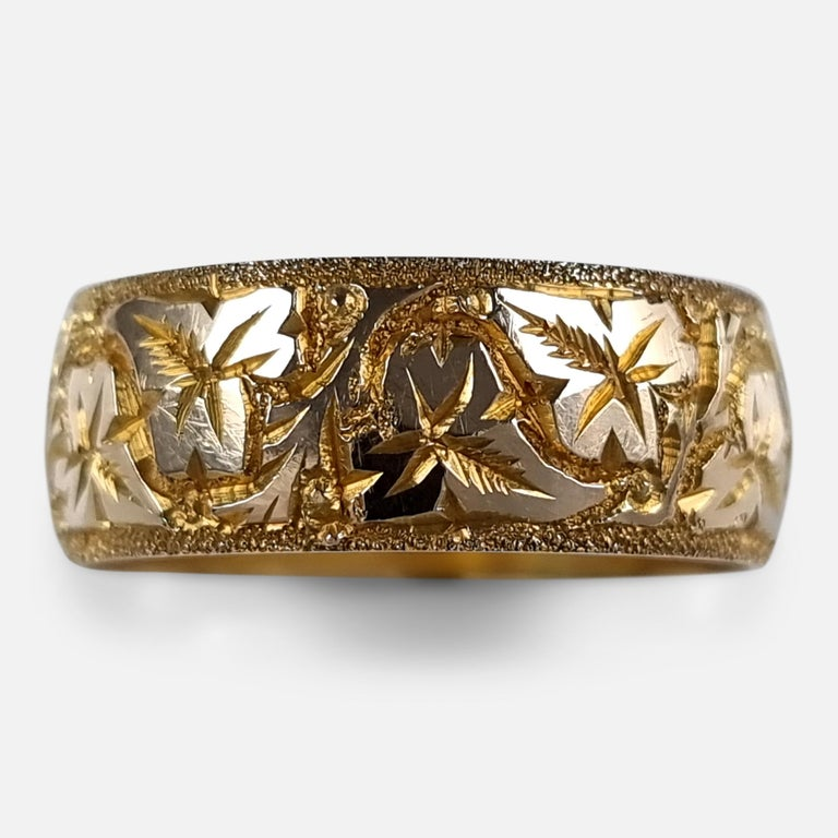 George V 18ct Yellow Gold Foliate Engraved Keeper Ring, 1920 For Sale