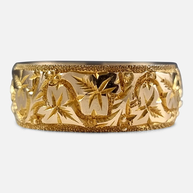Women's or Men's 18ct Yellow Gold Foliate Engraved Keeper Ring, 1920 For Sale