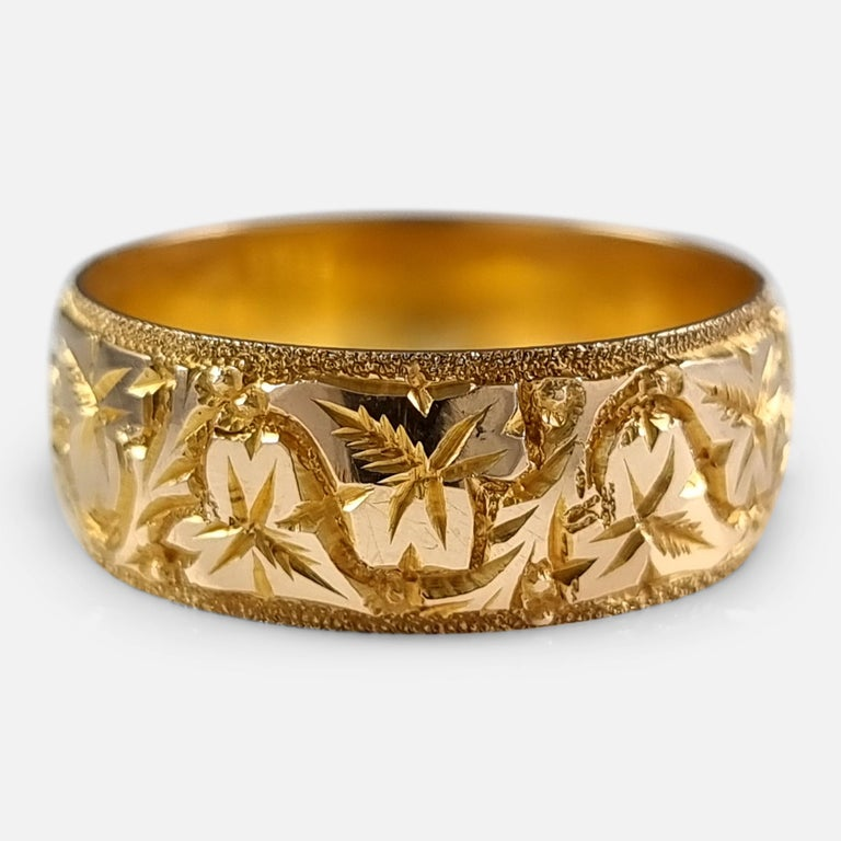18ct Yellow Gold Foliate Engraved Keeper Ring, 1920 For Sale 1