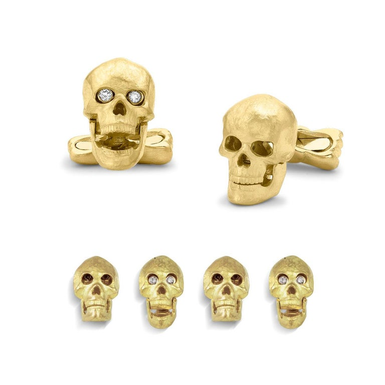 18 Carat Yellow Gold Skull Cufflinks with Popping Diamond Eyes In New Condition For Sale In Birmingham, West Midlands