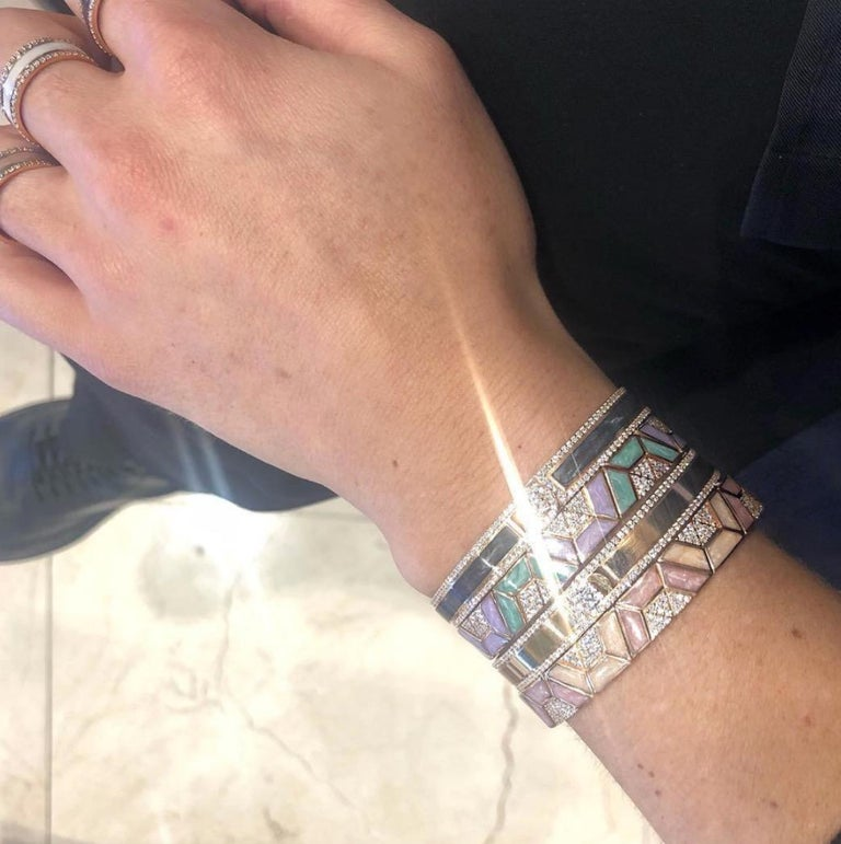 18K & 1.65 cts White Border Spectrum White Gold & Diamonds Bracelet by Alessa For Sale 1