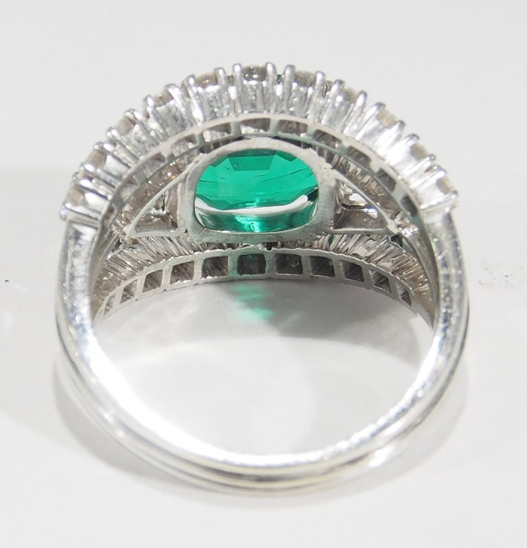 18 Karat AGL Certified Emerald and Diamond Ring White Gold In Good Condition For Sale In Boca Raton, FL
