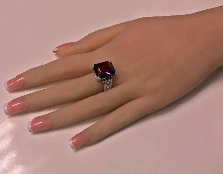18 Karat Amethyst Diamond Ring, 20th Century For Sale 1