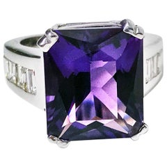 18 Karat Amethyst Diamond Ring, 20th Century