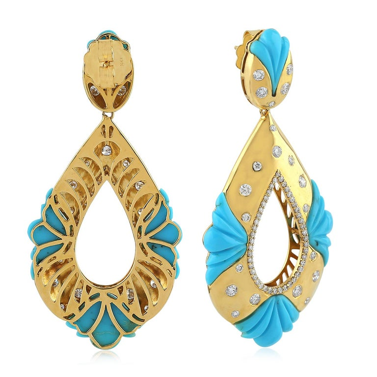 Contemporary 18K Yellow Gold Carved 18.94 carats Turquoise Diamonds Earrings For Sale