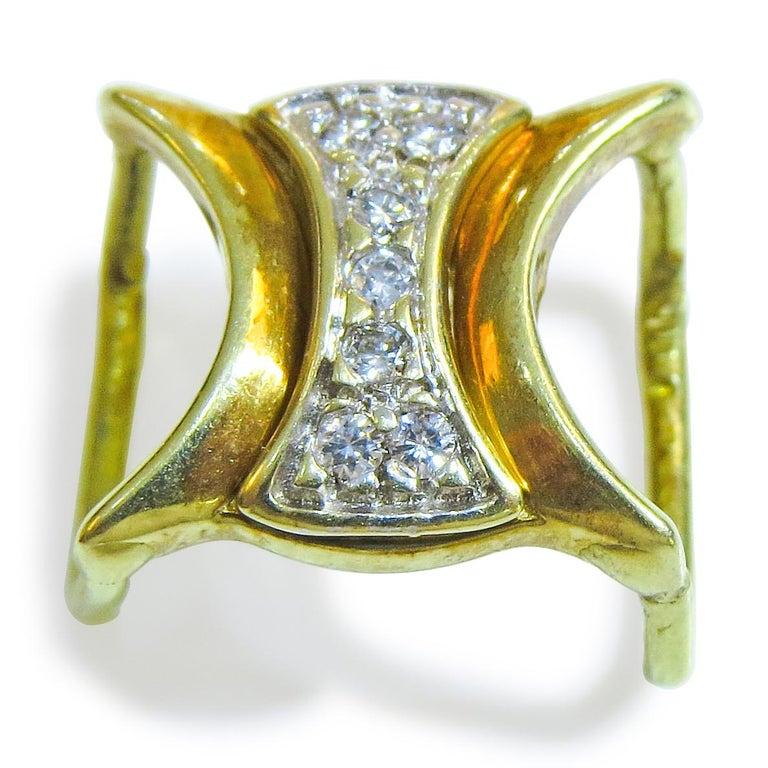 18 Karat Diamond Ladies Pendant In Good Condition In Jackson Heights, NY