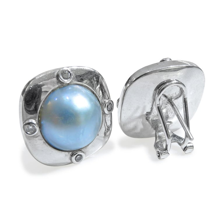 18 Karat Diamond-Pearl Set, Earring, Pendant and Ring For Sale 11