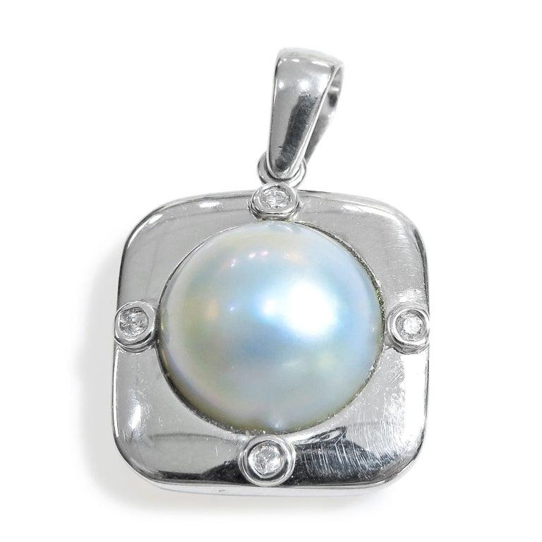 18 Karat Diamond-Pearl Set, Earring, Pendant and Ring For Sale 3