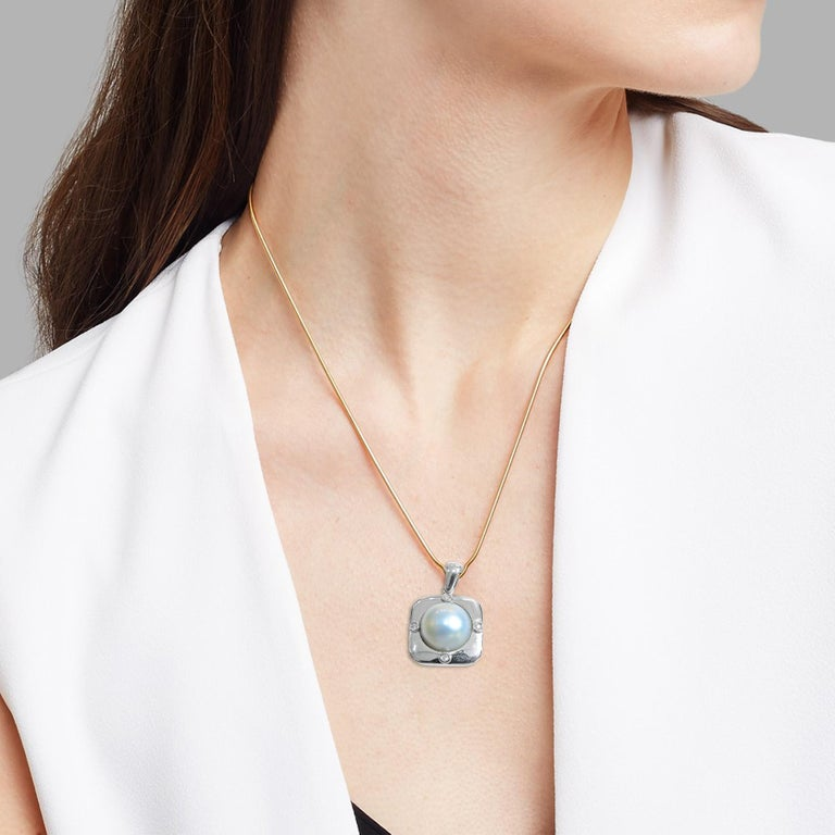 18 Karat Diamond-Pearl Set, Earring, Pendant and Ring For Sale 4