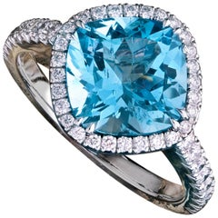 18K Gold Aquamarine 2.77 Carat and Diamond Entourage 0.41 Carat Cocktail Ring