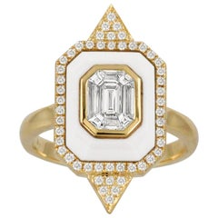 18K Gold Art-Deco Invisible-Set Baguette Emerald Diamond Ring with White Agate