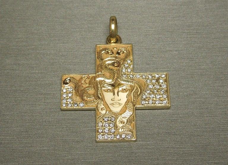 Brilliant Cut 18 Karat Gold Bvlgari