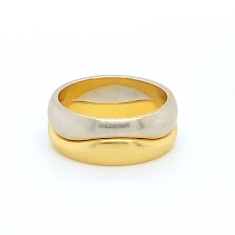 18k Gold Cartier Wave Stack Rings In Excellent Condition For Sale In Carlsbad, CA