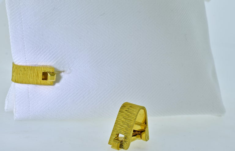 18 Karat Gold Cufflinks, circa 1955 In Excellent Condition For Sale In Aspen, CO