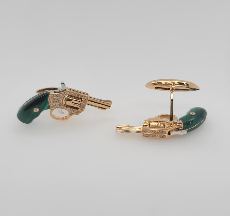 Modern 18K Gold Cufflinks with Diamonds and Malachite, Exquisite Master Craftsmanship For Sale