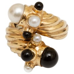 18 Karat Gold Cultured Pearl and Black Onyx Ring