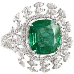 Emerald 18k Gold White Diamond Cocktail Ring